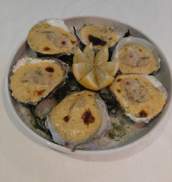 6 Warme Zeeuwse platte oesters OOOOO gegratineerd: 28.00 euro