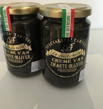Creme van zwarte olijven