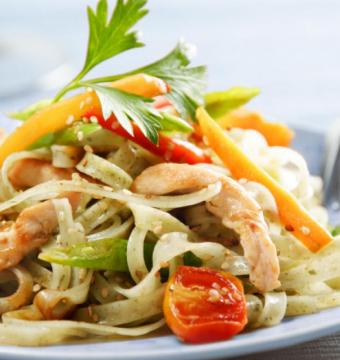 wok kip & scampi