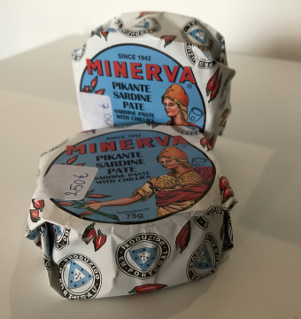 Minerva Pikante sardine paté